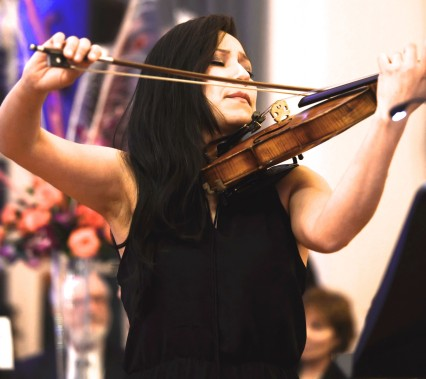 2015TWCGala(b) (97)Violinist Sandra Morales of the YOA Orchestra of the Americas