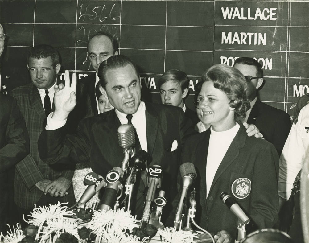 George_and_Lurleen_Wallace_giving_an_interview_during_the_television_broadcast_of_the_1966_gubernatorial_election_returns