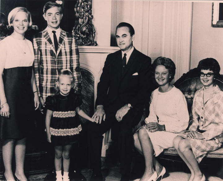 Governor_George_C_Wallace_and_Lurleen_Wallace_and_family